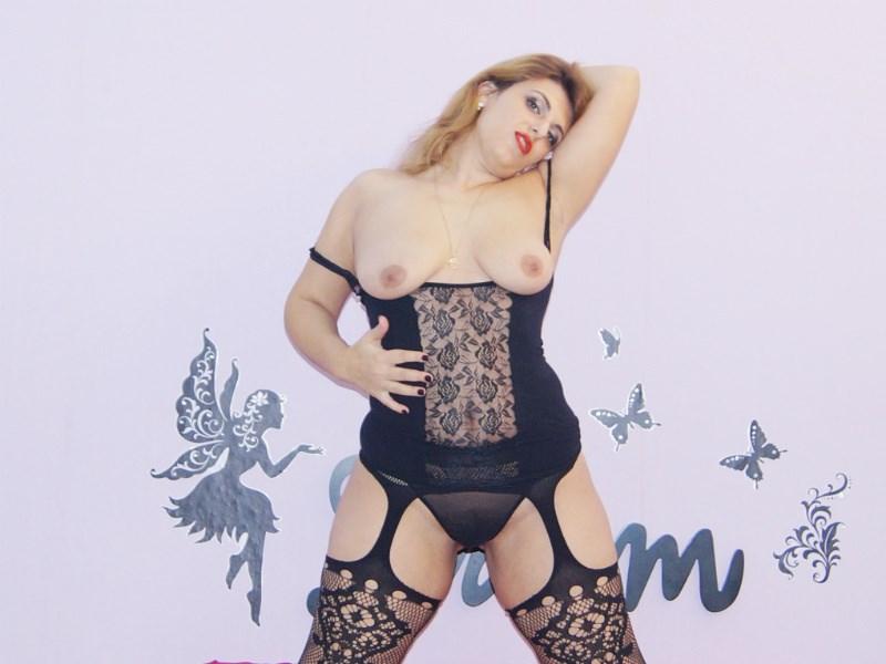 Volim SEX big tits big ass BITCH