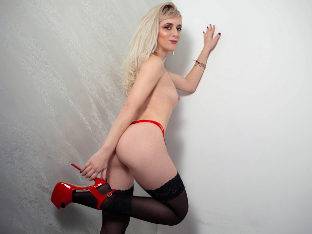 Sexy web cam star Rosse