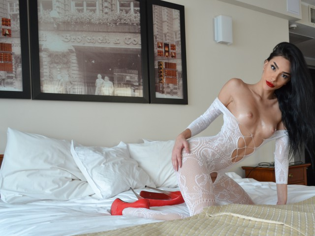 Hot web cam model PennySquirts