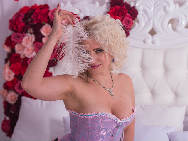 Hot housewife from Ukraine